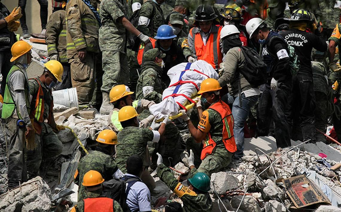 Ascienden a 343 los muertos por sismo de 7.1 grados