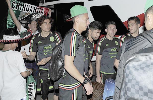 Calurosa bienvenida a la Selección de México en Trinidad