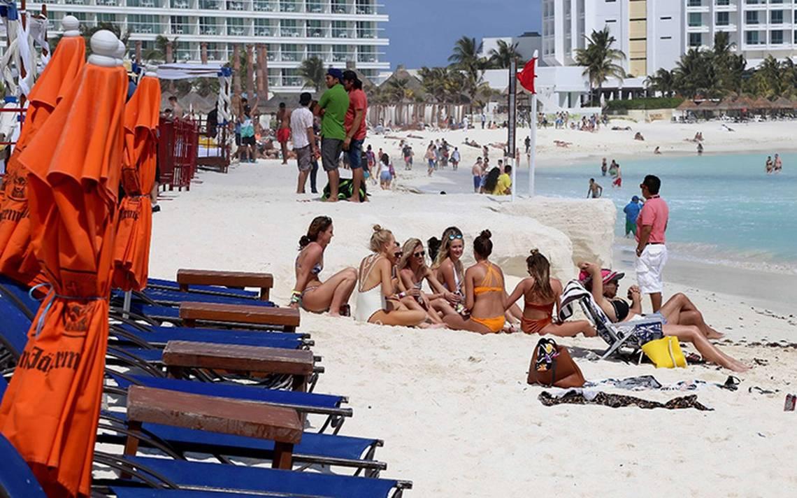 Spring Breakers motor económico para playas mexicanas