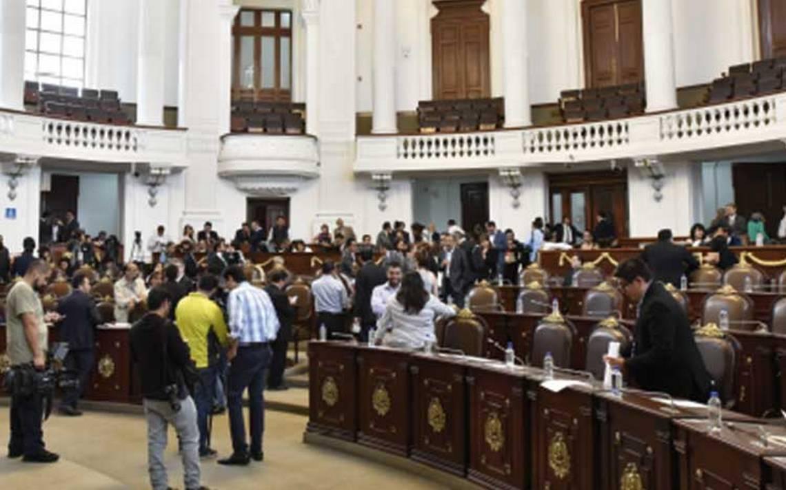 Sindicato de la Asamblea Legislativa reparte plazas con un sorteo