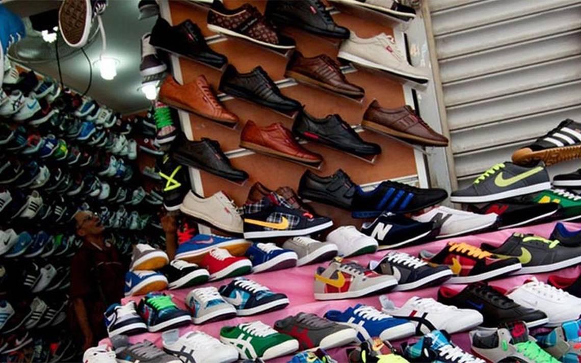 Decomisan casi nueve mil piezas de tenis pirata en la Ciudad de México