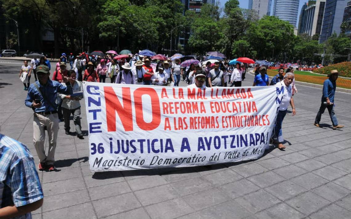 CNTE conmemora el Día del Maestro con marchas