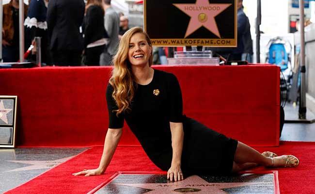Estrella de Amy Adams ya brilla en el Paseo de la Fama