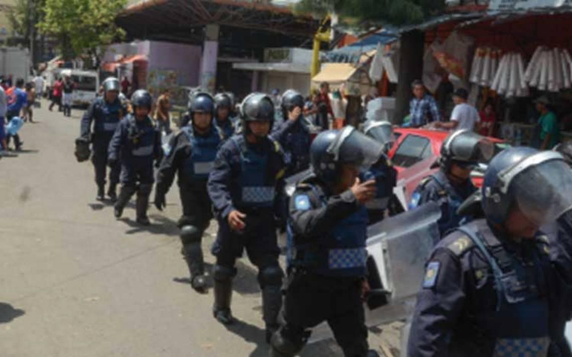 Van autoridades capitalinas contra Nueva Unión Tepito