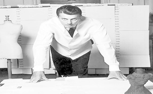 Givenchy, leyenda de la alta costura, cumplió 90 años