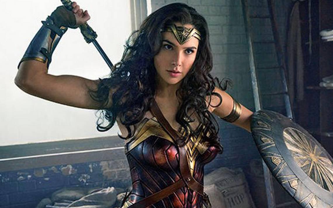 James Cameron causa controversia al criticar a Wonder Woman