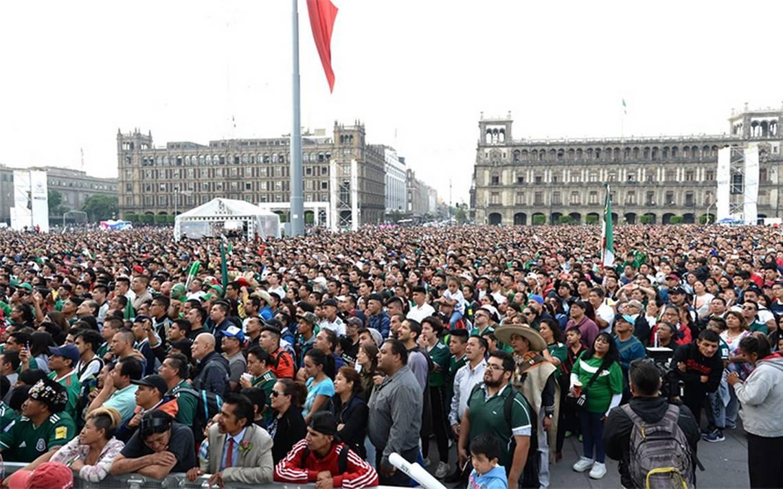México pierde contra Brasil y los mariachis callaron en el Zócalo