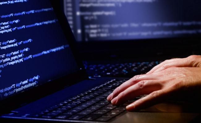Arrestan en Barcelona a hacker ruso involucrado en elecciones de EU