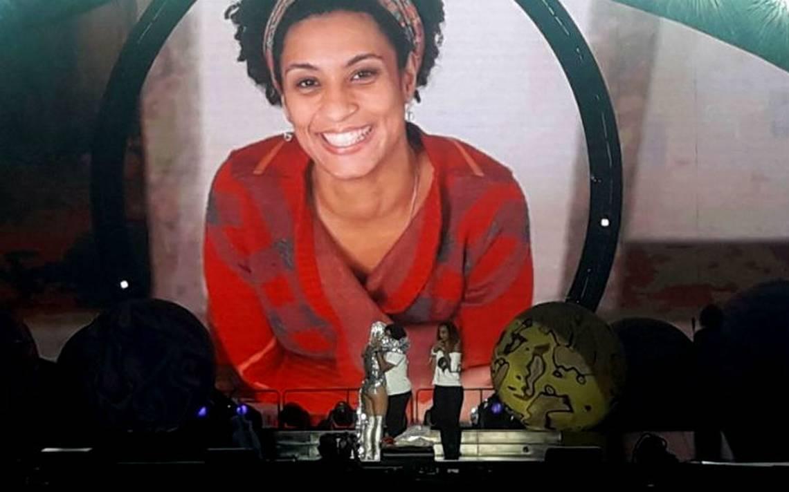 Katy Perry rinde homenaje a concejala brasileña asesinada