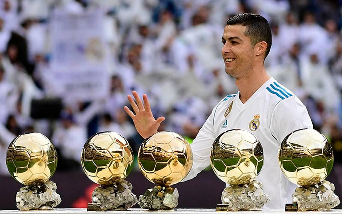 Cristiano Ronaldo ofrece su quinto Balón de Oro al Santiago Bernabéu