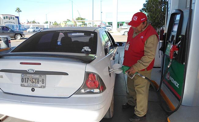 Hasta $18 por litro de gasolina en Baja California y Sonora en enero