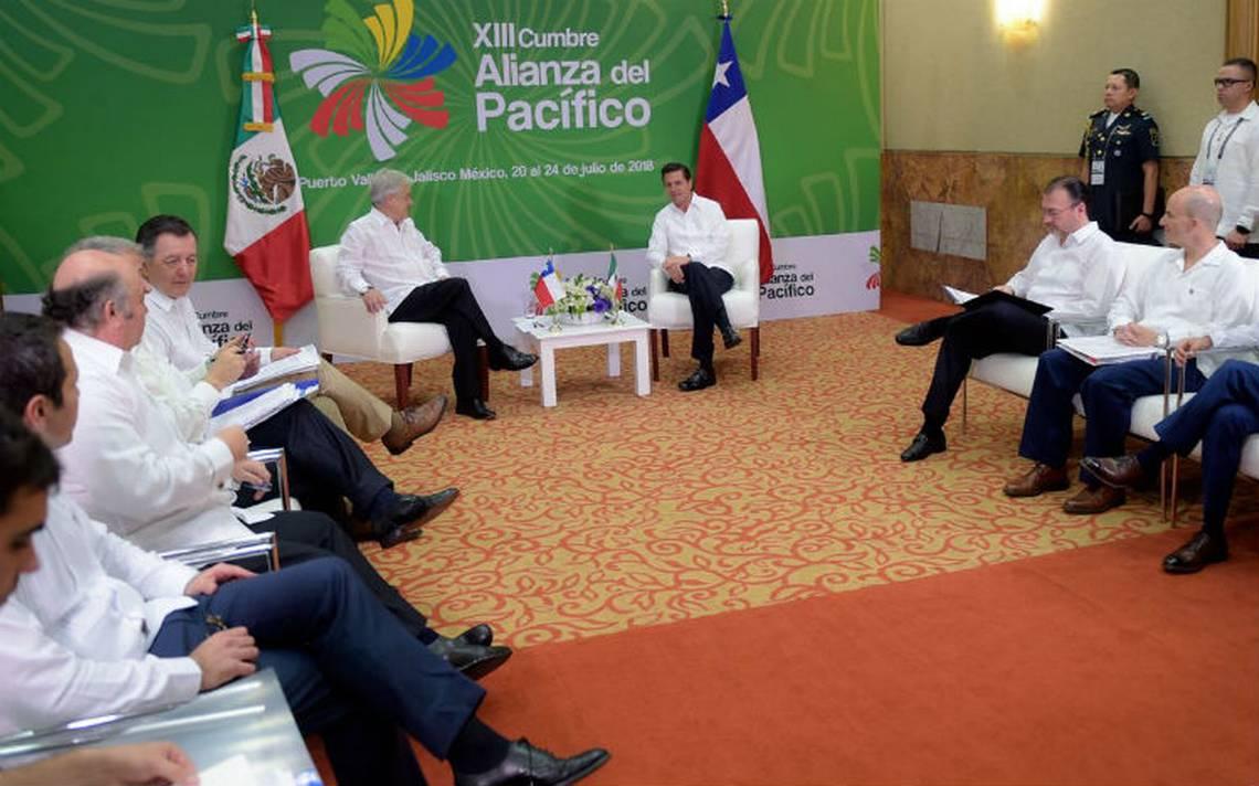 Peña Nieto dialoga con los presidentes de Chile y Uruguay