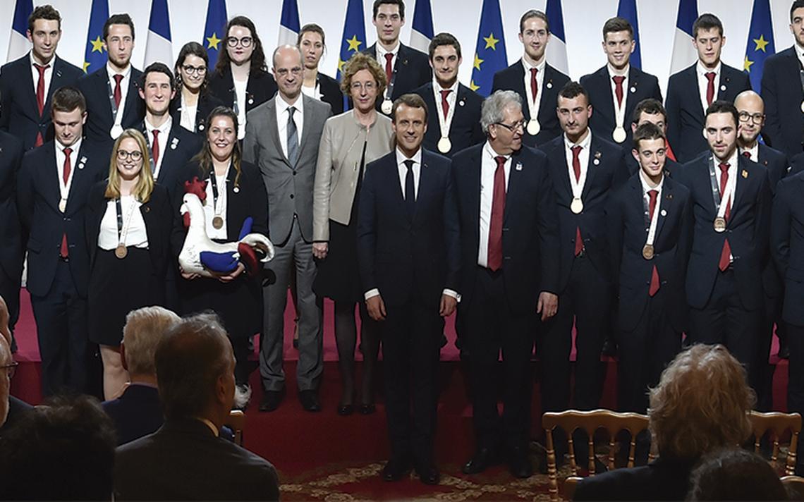Popularidad del presidente Emmanuel Macron registra aumento