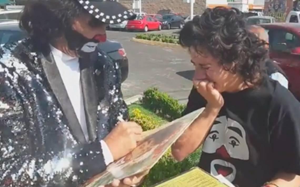 """""""Eres el mejor payaso del mundo"""", fan conoce a Cepillín y video se hace viral"""