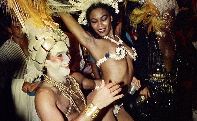 Millones de brasileños bailan en carnaval