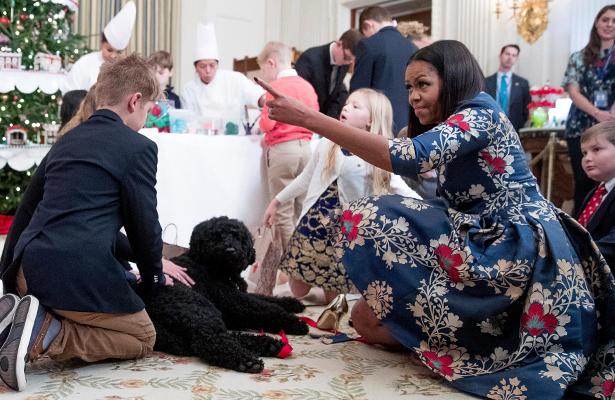 ¡La Navidad llega a la Casa Blanca! Michelle Obama la decora por última vez