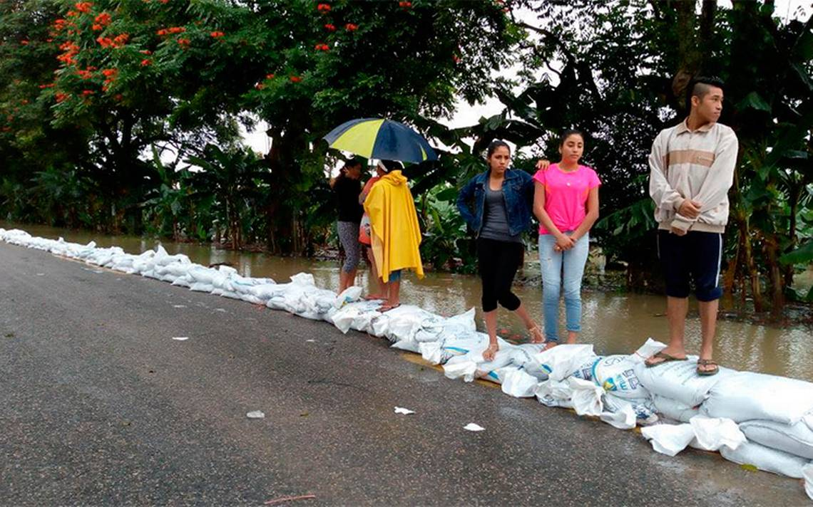Afectan lluvias varios estados de la república