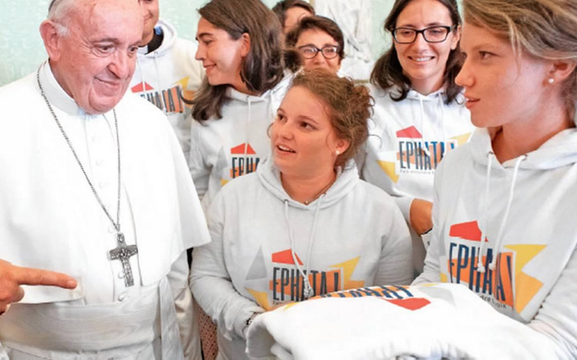 Sexo es un don de Dios, dice Papa a jóvenes