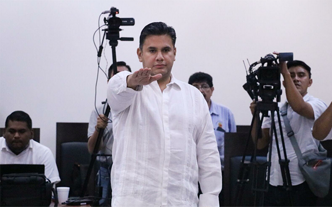 Willy Ochoa rinde protesta como gobernador provisional de Chiapas