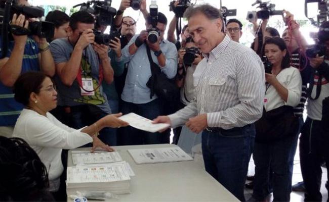 Hay elecciones tranquilas y democráticas: Miguel Ángel Yunes