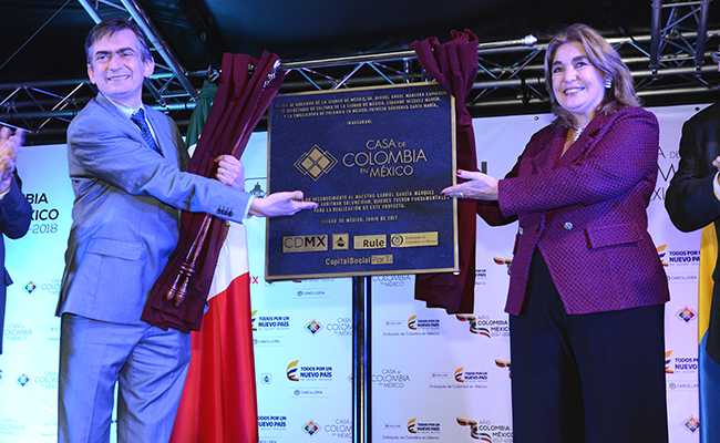 Celebran el Día Nacional de Colombia