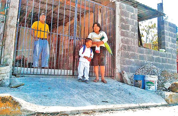 Incendio de tule afecta a más de 20 colonias en Altamira
