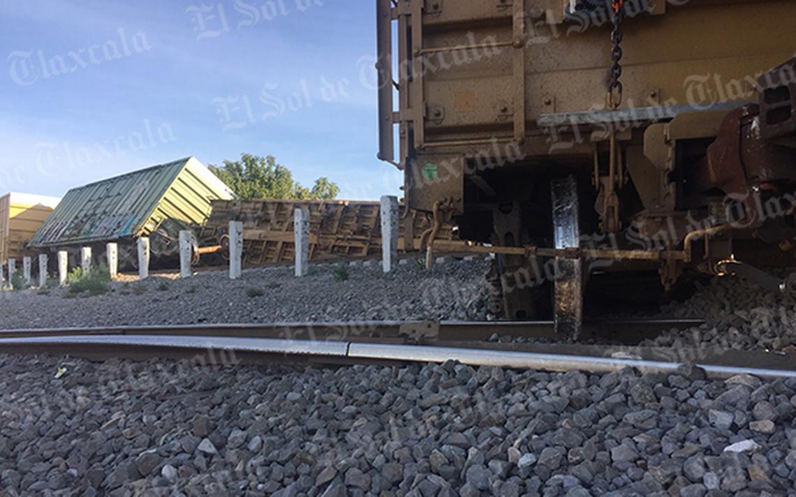 [Video] Se descarrilan cinco vagones del tren en Tlaxcala; solo hay daños materiales