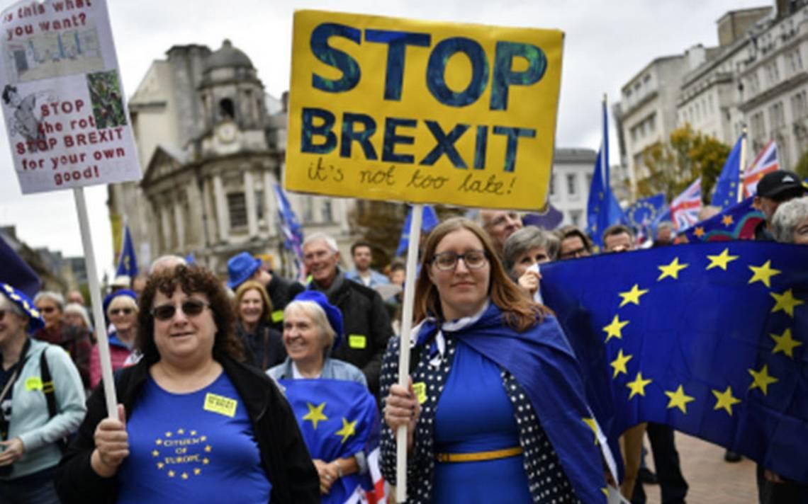 Theresa May dará la batalla por el Brexit en su partido