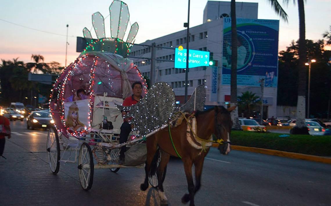 Pese a Ley de Bienestar Animal, caballos jalan las calandrias en Acapulco