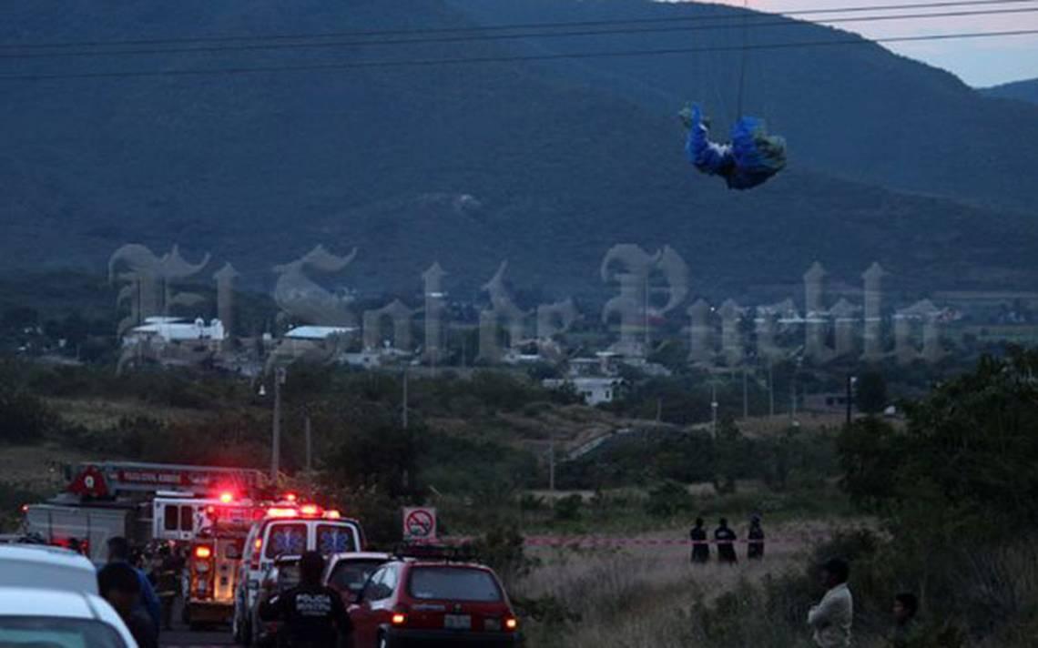 Viento desvía a paracaidista y se electrocuta con cables de alta tensión