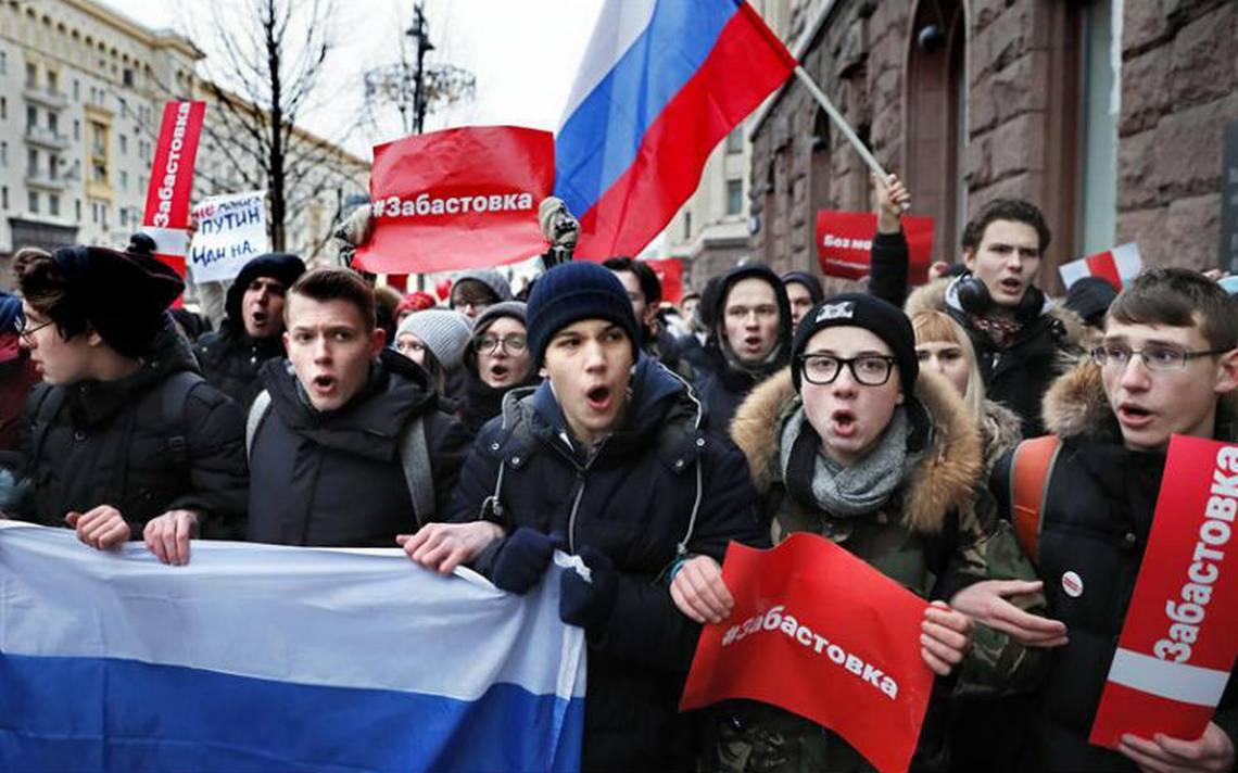 Volvieron a detener a opositor Alexei Navalny por protestar contra Putin