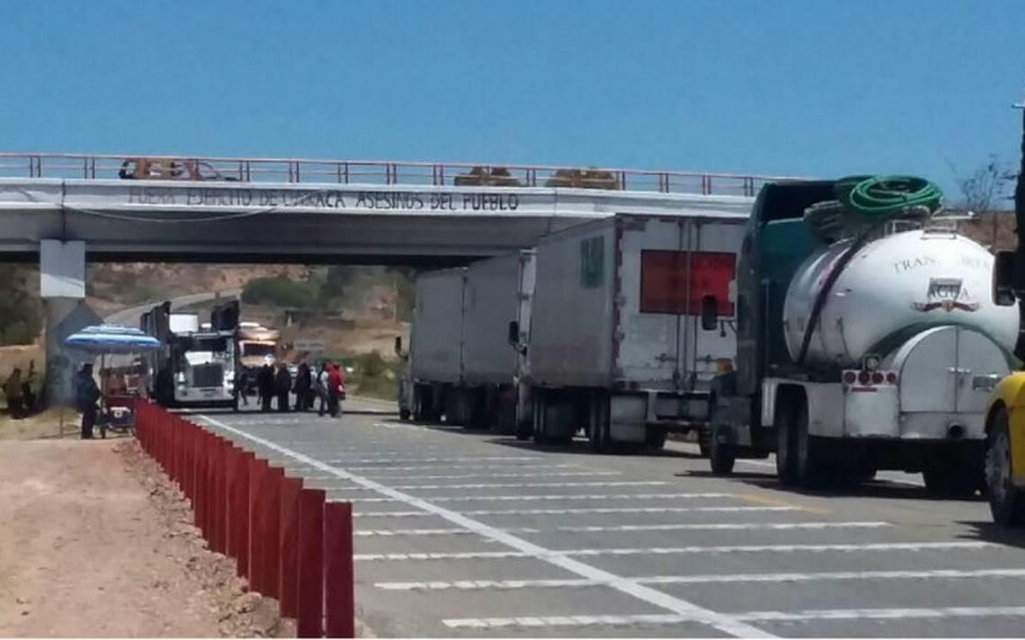 Habitantes de Nochixtlán bloquean nuevamente carretera Oaxaca–Cuacnopalan