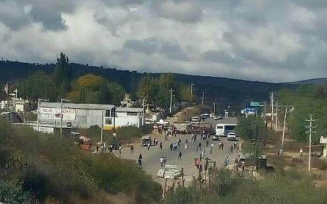 Activistas de Nochixtlán bloquean la supercarretera Oaxaca-Cuacnopalan