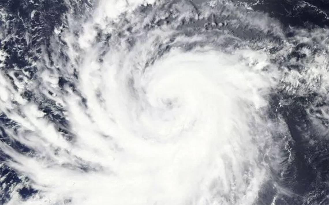 Huracán Lane alcanza categoría cuatro; se acerca a Hawai