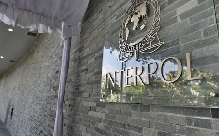 Interpol enfrenta abuso de órdenes de captura internacional