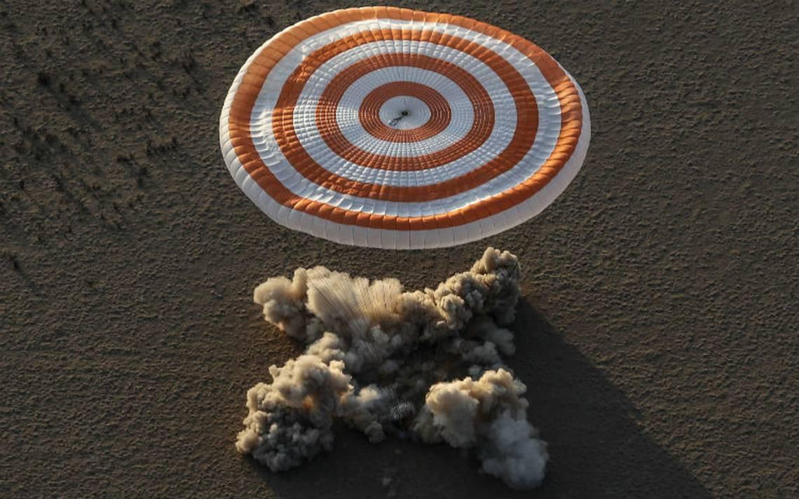 En la nave Soyuz regresan tres astronautas de la Estación Espacial Internacional