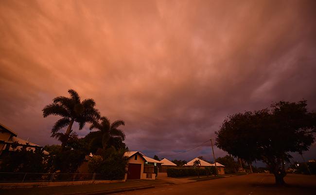 Desalojan a miles de personas en el norte de Australia por ciclón Debbie
