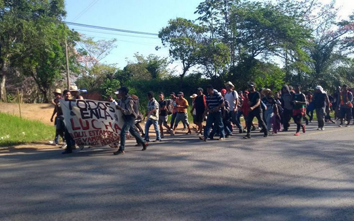 Fragmentada, caravana de migrantes retoma su rumbo a CDMX