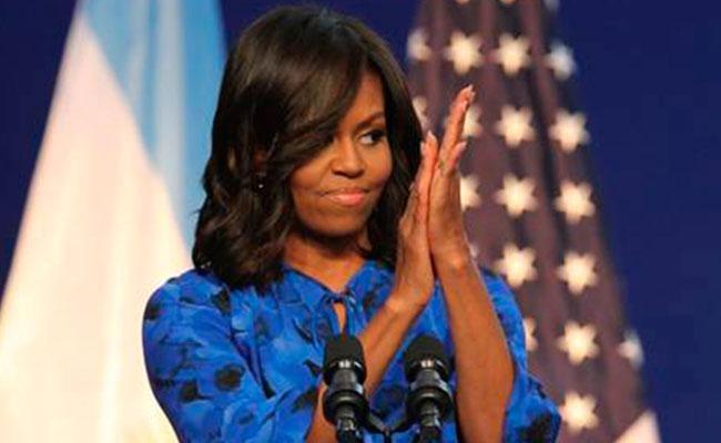 ¡Michelle Obama causa furor con su cabello al natural!