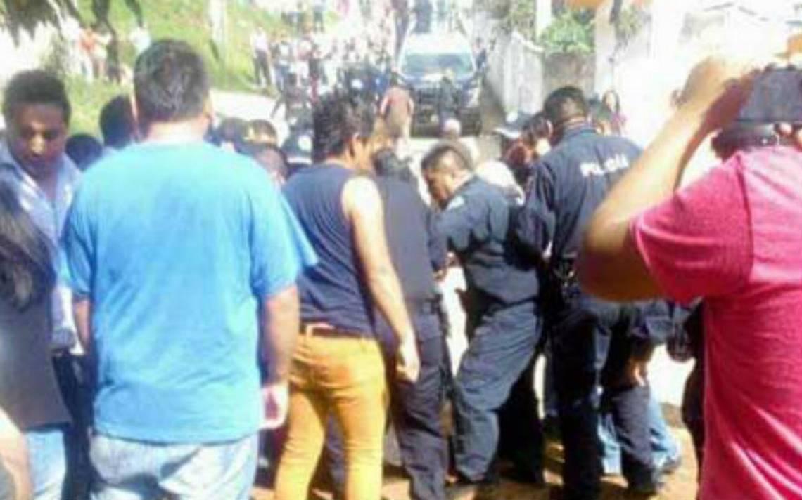 Habitantes de Chimalpa intentan linchar a dos presuntos secuestradores