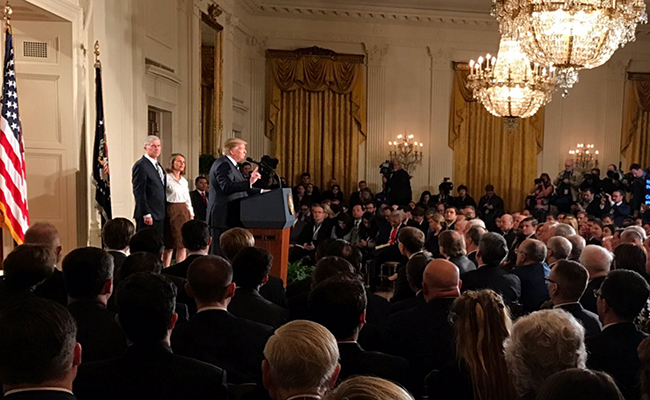 Trump nomina al conservador Neil Gorsuch para la Suprema Corte