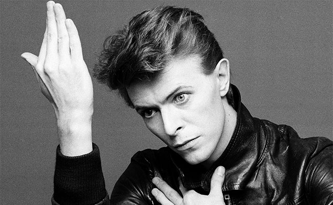 ¡Fracaso total! Sin fondos suficientes para monumento a Bowie