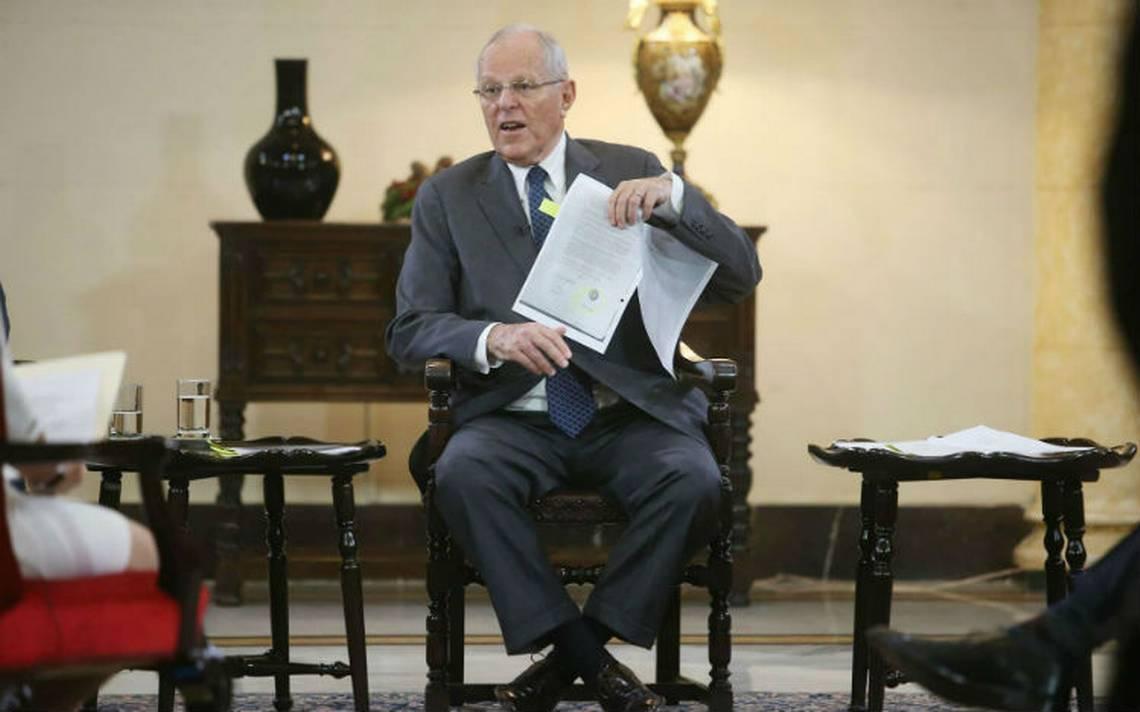 Kuczynski denuncia golpe de Estado en Perú y promete defenderse en el Congreso