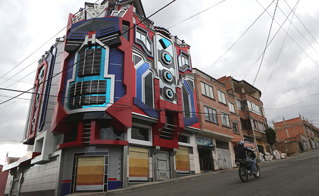 Las casas Transformers, de moda en Bolivia