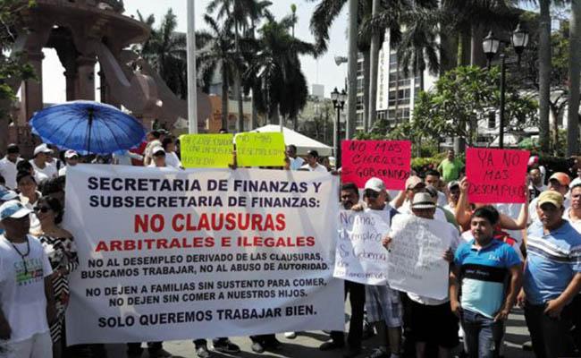 Protestan en Tamaulipas por cierre de bares y table dance