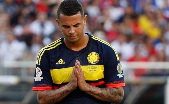 """Cardona pide no ser comparado con Riquelme, """"él es un ídolo"""""""
