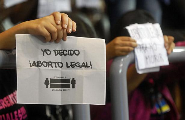 Chile da un paso a la despenalización del aborto; el Senado aprueba tres causales