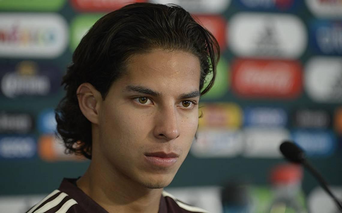Diego Lainez feliz de jugar con sus ídolos en el Tricolor