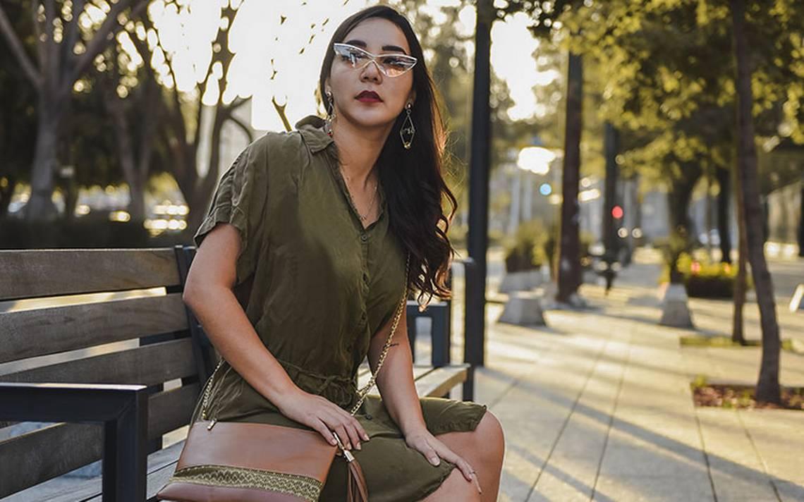 Celebridades, bloggers e influencers incorporan prendas mexicanas a sus outfits