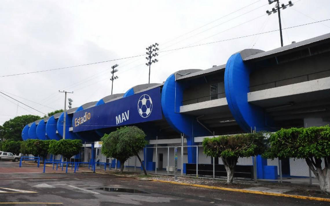 Roban pantallas de estadio de futbol de Celaya